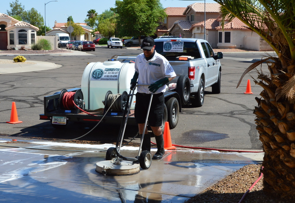 Avondale Arizona in Phoenix West Valley driveway pressure washing job and cleaning walkway and pool deck